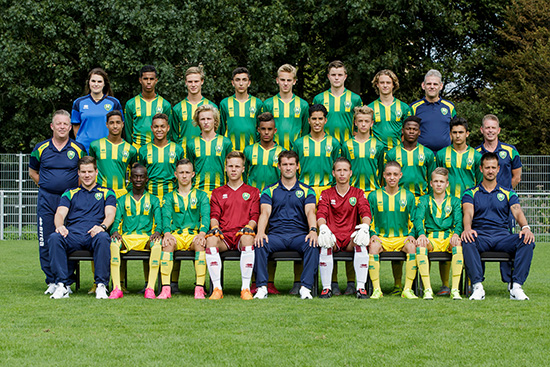 ADO Den Haag Onder 16 / U16 team foto thuis tenue